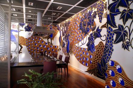 ロイヤルオークホテル:ステーキレストランの壁画